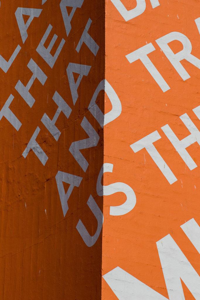 large font design trend